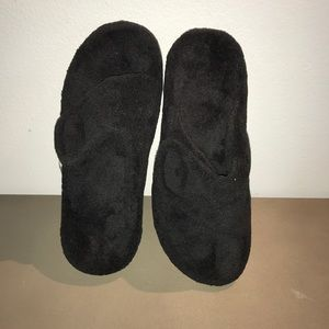 Gently used Vionic orthaheel slippers-relax-black